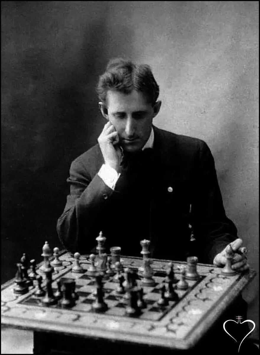 Un mal plan, es mejor que no tener ningún plan. /Frank Marshall, ajedrecista.