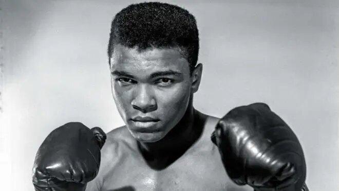 Los campeones no se hacen en los gimnasios. Los campeones están hechos de algo que tienen muy adentro de ellos: el deseo, un sueño y una visión. /Muhammad Ali, boxeador estadounidense.