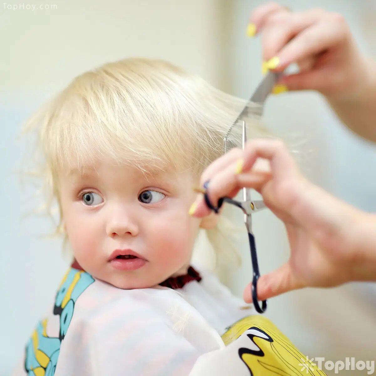 Si se le corta el cabello a un bebé antes que cumpla un año, nunca aprenderá a hablar.