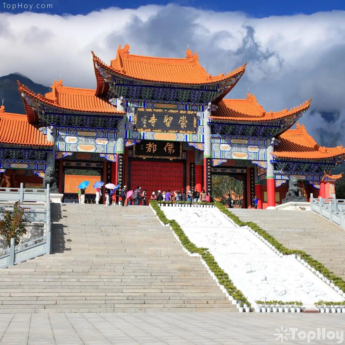 Dinero en templos budistas