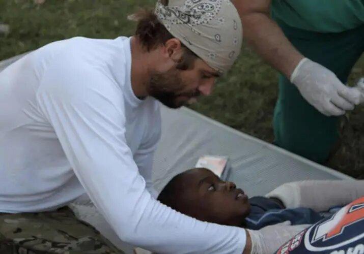 En 2010 el actor ayudó a las víctimas del terremoto de Haití.