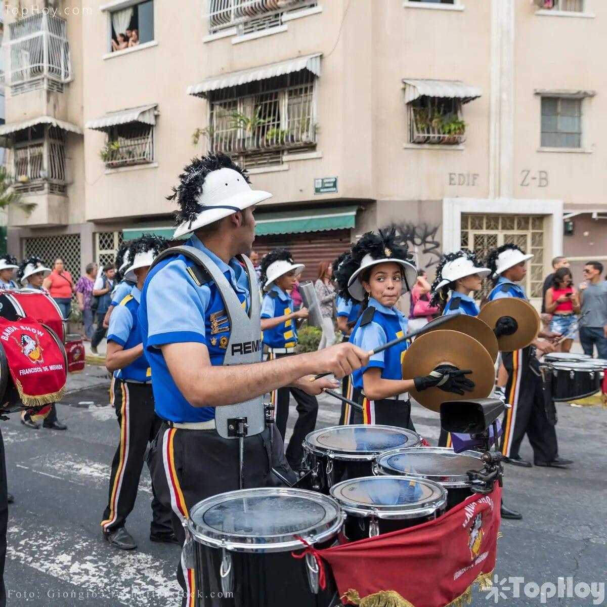 Una de las principales tradiciones en Venezuela es bailar al son de los tambores. Es la música protagonista en cualquier fiesta, pero cada 24 de junio suenan en honor a San Juan.