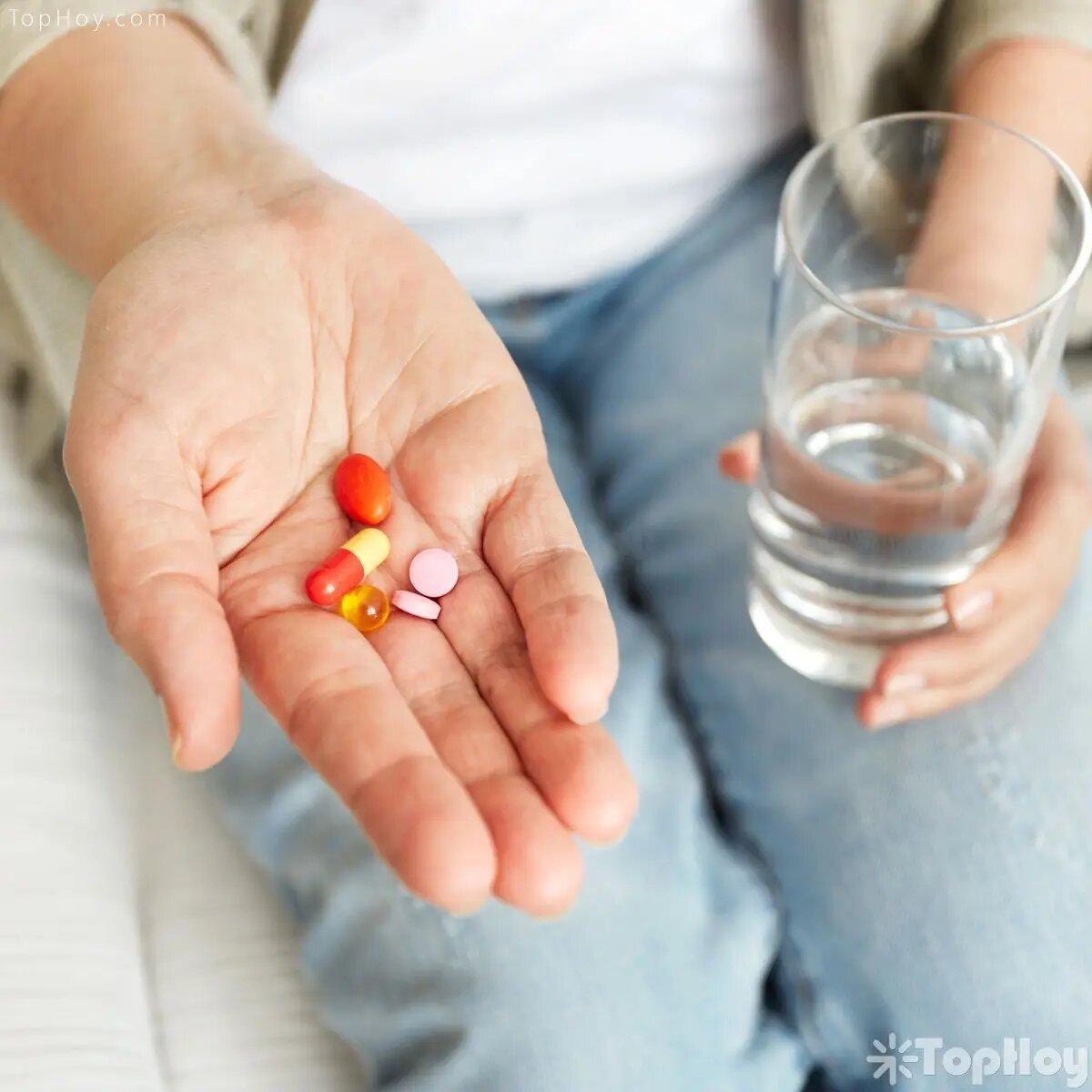 Existen algunos medicamentos cuyos componentes interfieren en la efectividad de la pastilla del día después, por lo que debe investigarse cuáles son antes de consumirla.