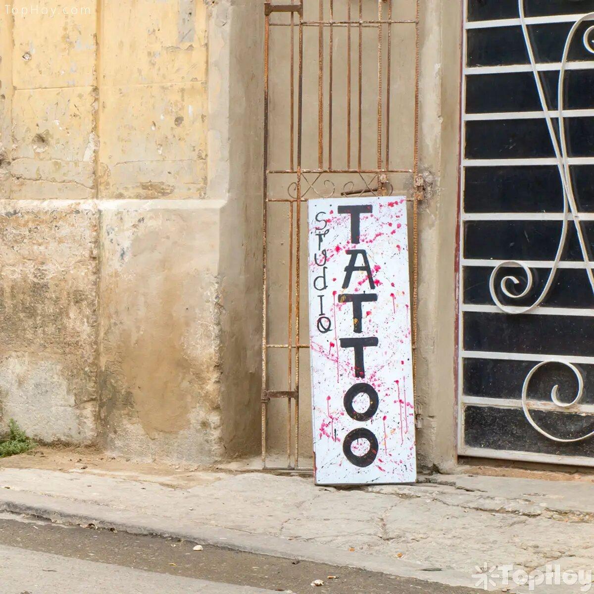 Tatuajes y pactos secretos